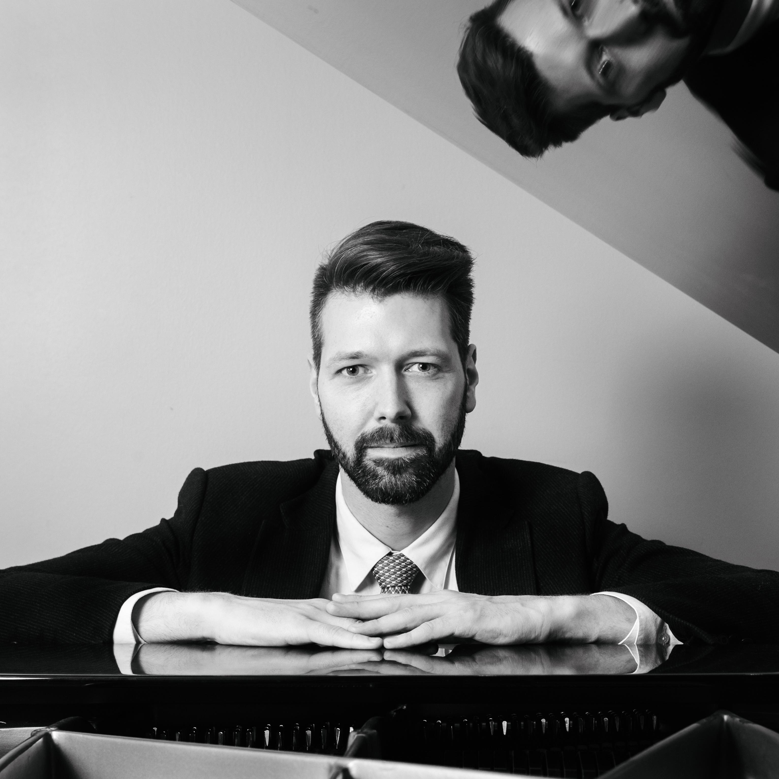 Sigurður Helgi Oddsson Piano